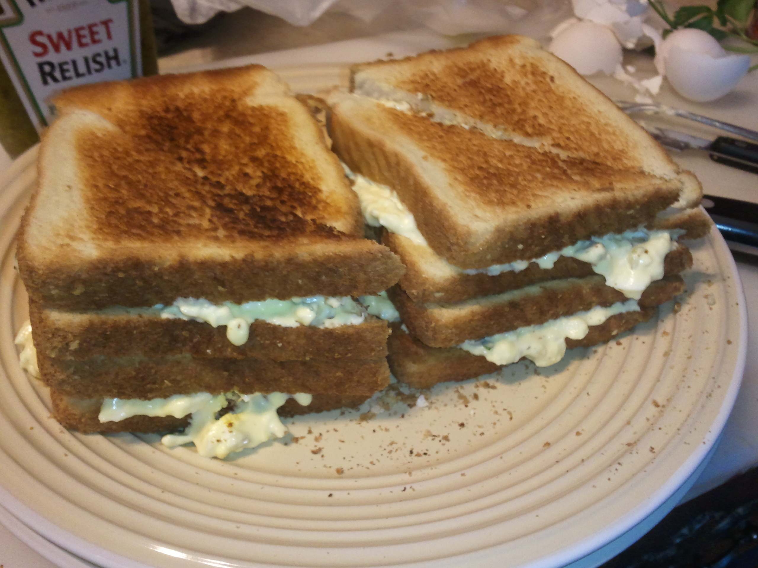 Big pile o' egg salad sammiches